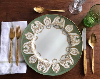 Royal Worcester Green and Gold Bone China Dinner Plate