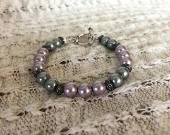 Dusty purple and gray pearl bracelet