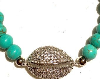 Turquoise bracelet, Howlite beads, beaded bracelet, gemstone bracelet, Shell charm, Butterfly Charm, White Gold Plated CZ Micro Pave Shell