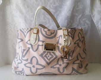 Louis Vuitton GM Hula Girl tote bag