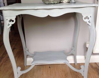 Pretty decorative table