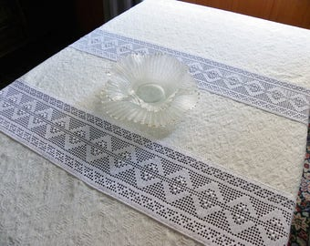 Rectangular tablecloth, tablecloths with crochet hooks