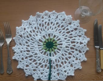 White Dandelion Crochet Place Mat or Doily - 30cm/11 inches