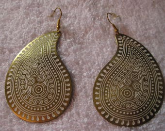 Lovely Gold and White Paisley Earrings