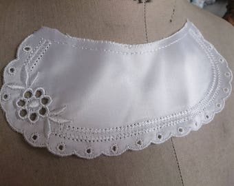 Beautiful Vintage Satin Broderie Anglaise embroidered Floral white lace childs dress collar christening costume dressmaking
