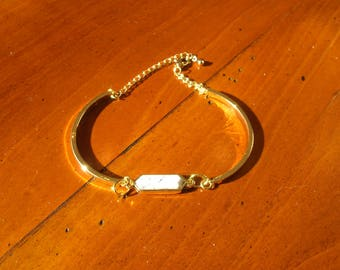 Curved bar and white connecter bracelet