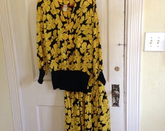 Vintage Dawn Joy Fashions yellow black floral jacket skirt set elastic waist shoulder pads patch pockets polyester made in the U.S.A. 1