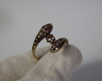 Museum Antique Gold Ring With Memento Mori Skull And Snakes-Diamonds & Rubies-Circa 1920