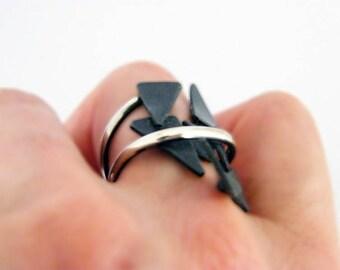 Shattered. sculptural silver ring