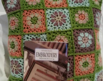 book of embroidery stitches, how to embroider, embroidery projects book, embroidery stitches