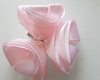 White and baby pink hair clip