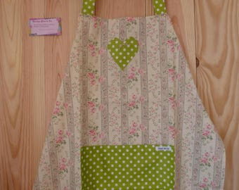 """My Roses"" apron in floral fabric"