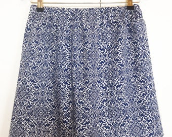 "Jupe ""Lina"" en coton arabesque bleu et blanc"