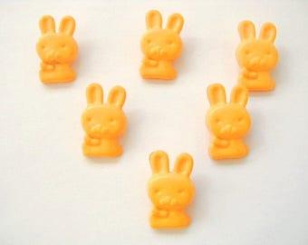 LOT 6 buttons: dark yellow rabbit 17mm