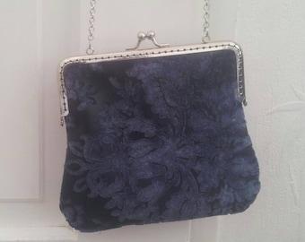 Bag vintage style clasp