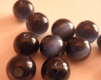 10 black 8 mm cat's eye beads