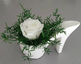 Shoe with heel and Rose stabilized white