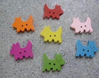 7 dog shaped wooden buttons
