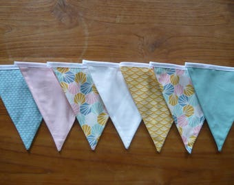 Garland of 7 flags, graphics and Japanese patterns pink/mustard/green with water