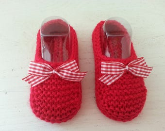 Little red toes 0-3 months raised(enhanced) by a bow of red gingham - birthday gift idea