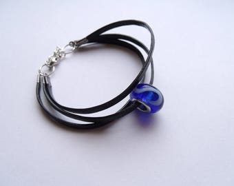 Bracelet leather and metal with glass bead