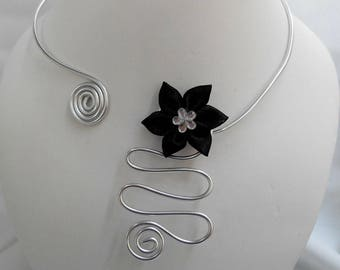 Ophelia necklace with silver aluminum wire and black satin flower