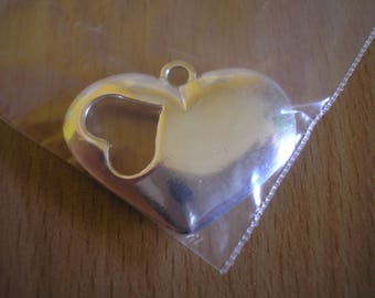 Silver plated puffed heart pendant