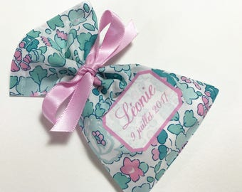 10 sachets customized in Liberty Betsy Mint dragees