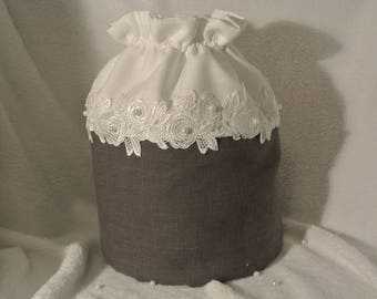 linen and lace pouch