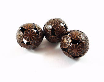 2 beads, copper metal filigree flower, 20mm (pm66)