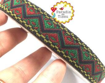 1 x metre triangle 17mm geometric ethnic embroidered Ribbon trim