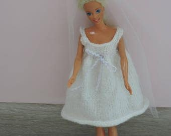 wedding dress white Barbie with tulle veil