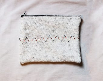White Pocket embroidered with Pearl