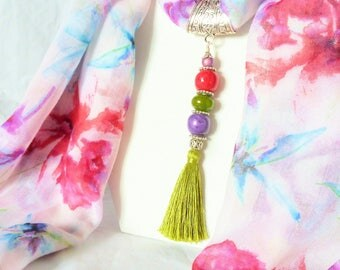 Jewelry scarf with Pompom and scarf