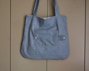 Foldable bag, tote bag, reversible tote bag