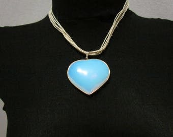 Tucun Strand and Moon Stone heart-shaped pendant necklace