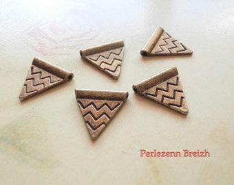 10 triangle chevron 14x14mm bronze metal beads