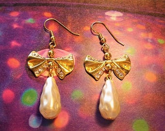 romance earrings on hooks, Golden bow and rhinestone pendant drop Pearl