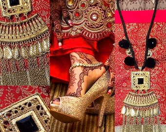 Ethnic necklace gold