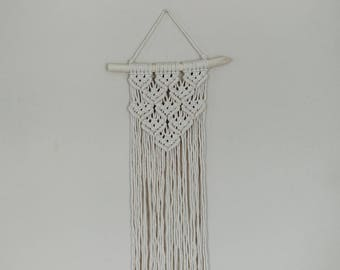 Macrame Wall Hanging / Tapestry / Macrame Decor / Wall Art / Boho Decor / Bohemian / Tribal