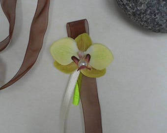 PIN - lapel wedding - ivory, lime and chocolate