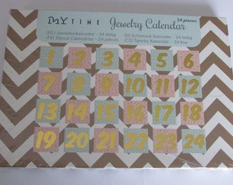 Kit jewelry calendar from the front