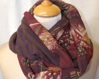 Snood in woollen fabric and mesh scarf