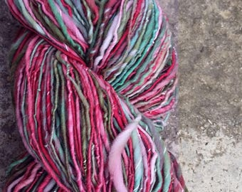 175 g of yarn dyed and handspun Merino hand-cotton