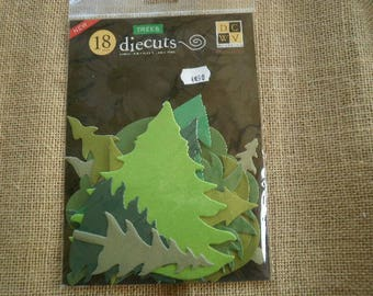 "Bag of 18 cuts ""trees"" in paper, green color, different sizes"