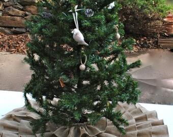 CHRISTMAS BURLAP TREE SKIRT