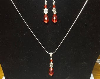 Set necklace and earrings red swarovski crystal drops