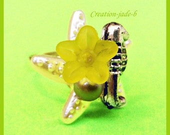 Adjustable ring - Cabochon starfish with green flower
