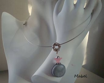 Macaron pendant necklace gray pink and silver beads, lucite and glass, silver, gray cable wire Choker