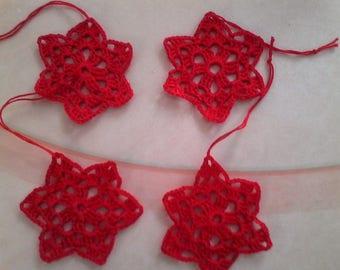 4 small red stars crochet